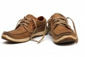 13616539-brown-man-shoes-isolated-on-a-white-background.jpg